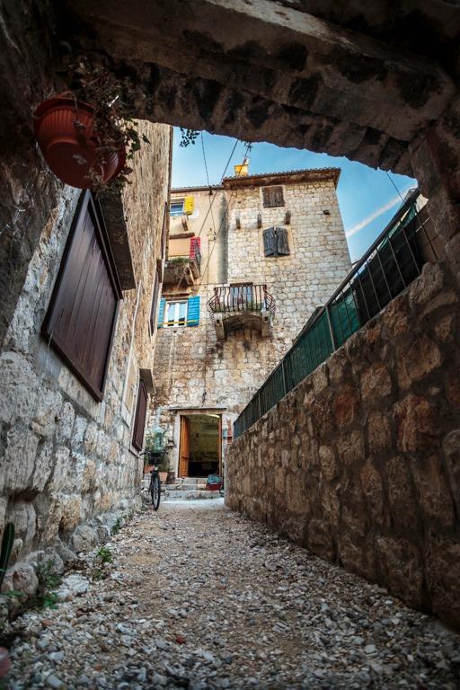 Prva radionica obnove zidova kamenih kuća